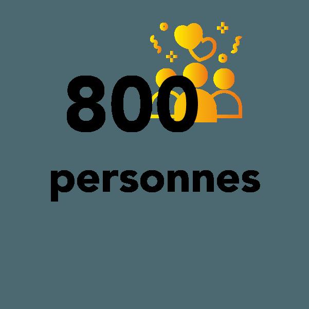 800 personnes