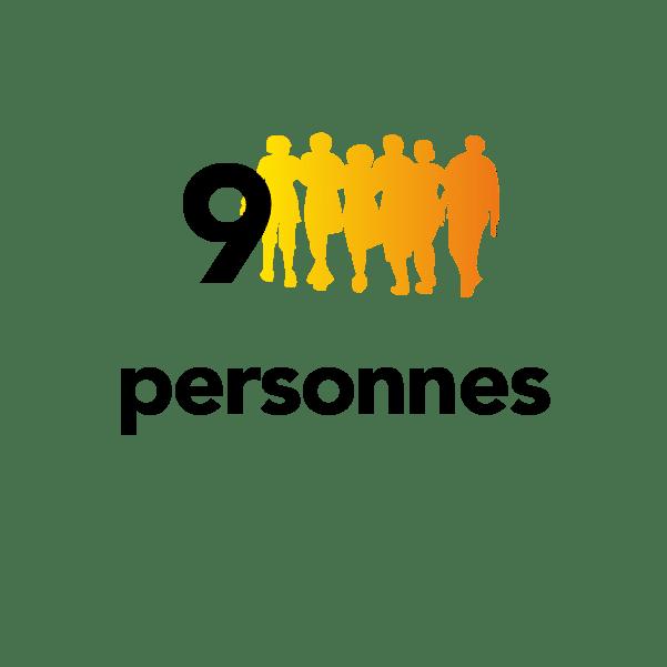 9 personnes